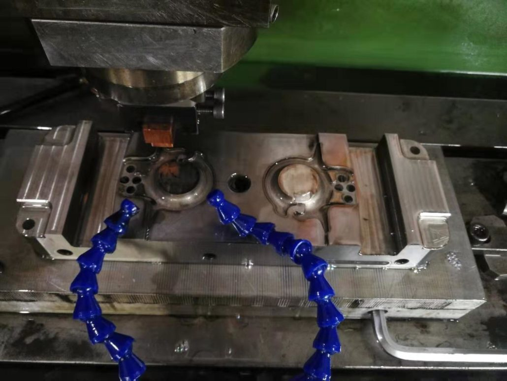 Plastic Injection Mold Manufacturing-EDM